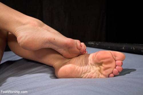 Female Feet Sex Picture 5