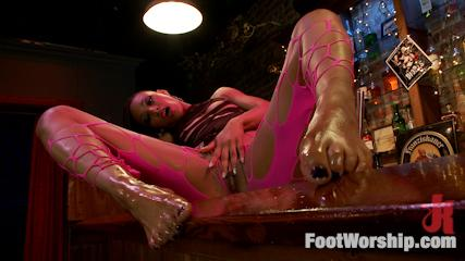 Feet Worship Fuck -  Nasty Bitch Nikki Gets Wet In Biker Bar