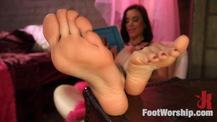 Foot Fetish Banging -  Mia Li Is Gia Dimarco's Hot Lesbian Foot Toy