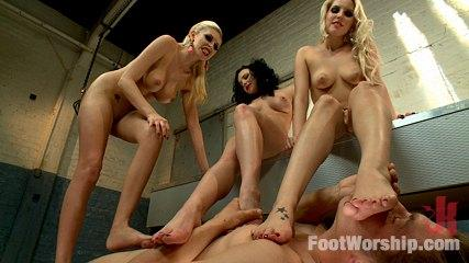 Footjob Banging -  Foot Fucking Fetish Foursome