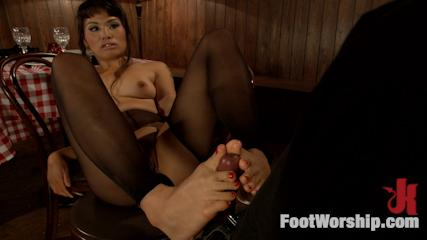 Sexy Foot Banging -  Wiggling Toes And Fisting: True Romance